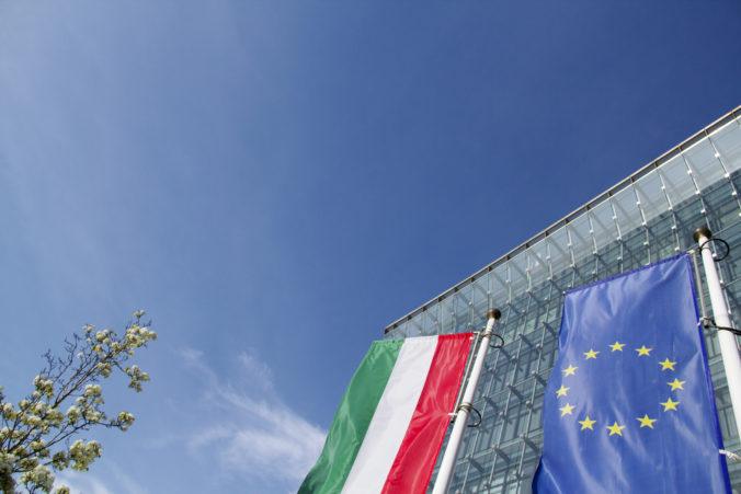 Demokratické štandardy v Poľsku a Maďarskú sú ohrozené. Správa EK ukázala prstom aj na ďalšiu krajinu