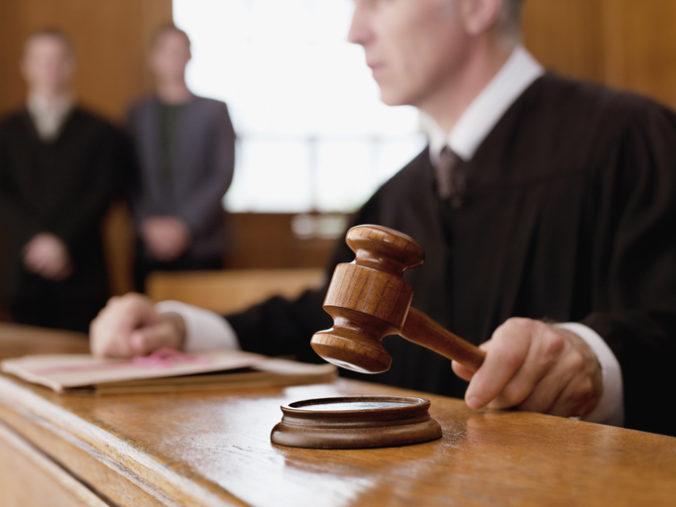 Pri využívaní umelej inteligencie v justícii treba brať do úvahy možný zásah do ľudských práv