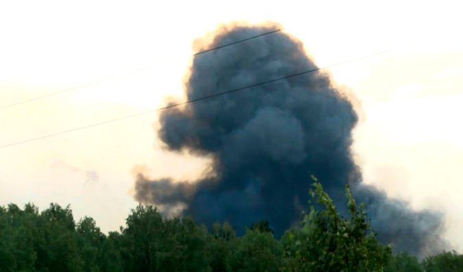 Vo vojenskom výcvikovom priestore Brdy došlo k explózii, dvaja ľudia sú vážne zranení