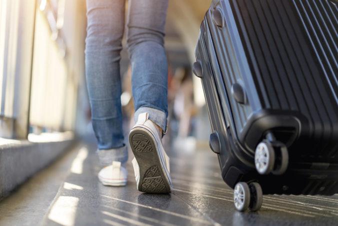 Pozitívne testovaných zahraničných študentov posielajú z Malty letecky domov