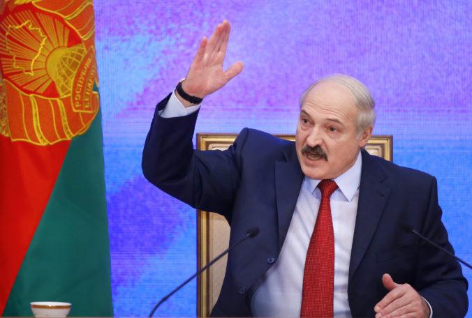 Lukašenko hovorí o čistiacej operácii, v záťahu proti aktivistom a médiám chce pokračovať aj naďalej