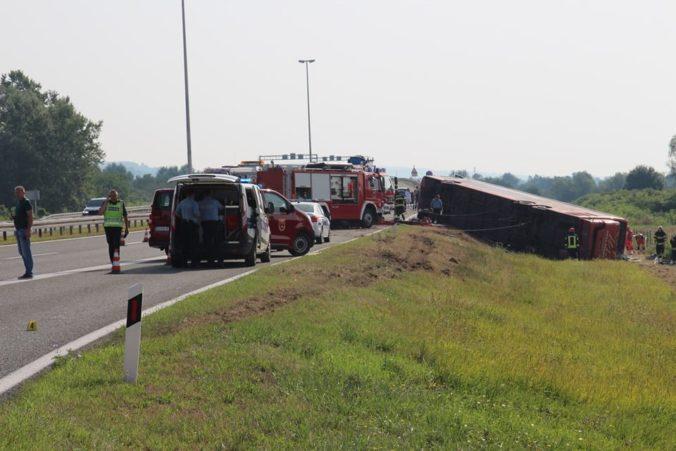 V Chorvátsku havaroval autobus, tragickú nehodu neprežilo desať ľudí (video+foto)
