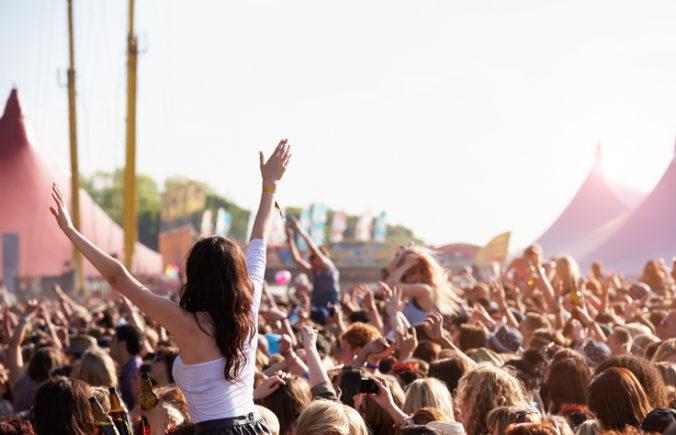 Holanďania si viacdňové festivaly neužijú, vláda sprísnila aj podmienky pre dovolenkárov