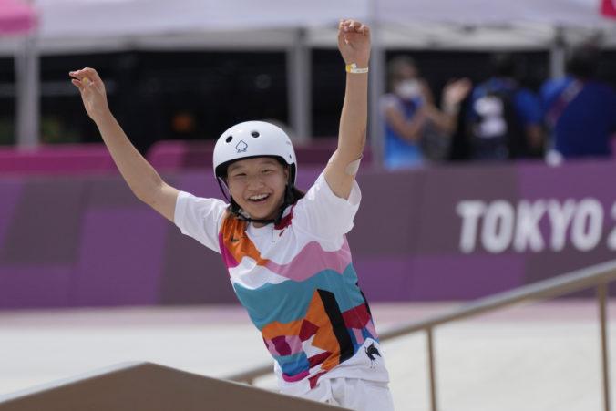 Novú disciplínu na olympiáde ovládla 13-ročná skejtbordistka Nišijová, na pódiu sa zišlo historicky najmladšie trio (video)