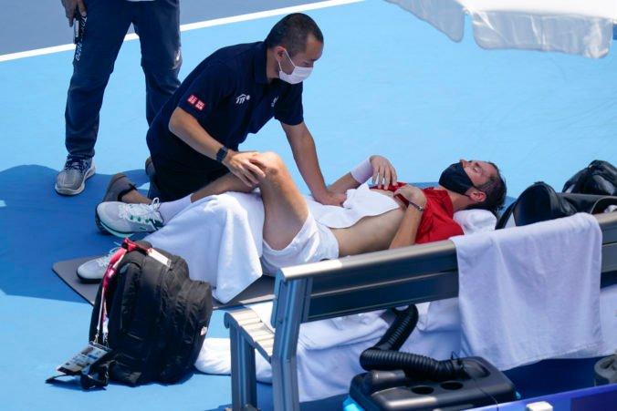 Medvedeva potrápili na olympiáde v Tokiu horúčavy. Môžem zomrieť, kričal tenista na rozhodcu (video)