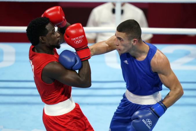 Letná olympiáda v Tokiu (box): Arman Darčiňan – Andrej Csemez (foto)