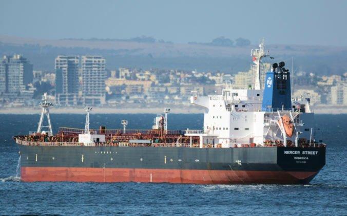Okolnosti útoku na tanker v Arabskom mori sú nejasné, izraelský minister však obviňuje Irán