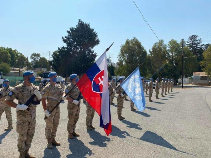 Vojaci odchádzajúci na zahraničnú misiu sa musia dať zaočkovať, informoval minister Naď