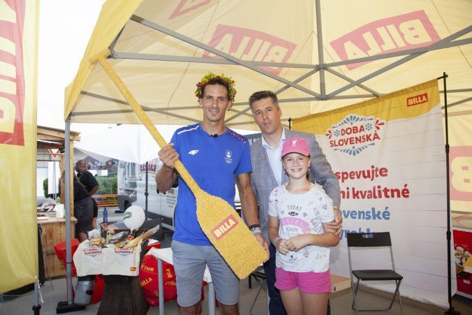 Matej Beňuš skvelo reprezentoval Slovensko v Tokiu. Vodného slalomára privítal doma aj jeho hlavný partner BILLA