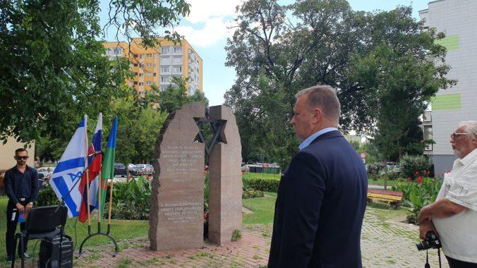 V Rimavskej Sobote si uctili Svetový deň rómskeho holokaustu