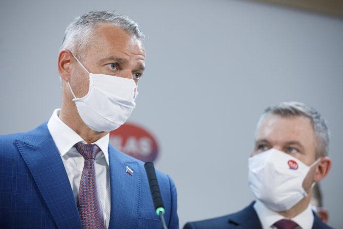Očkovacia lotéria nezachráni životy ani zdravie, Matovič podľa Hlasu rozdáva milióny z daní Slovákov