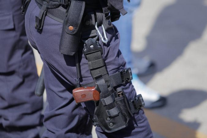 Po zákroku mestskej polície v Česku zomrel mladý muž, policajti použili slzotvorný prostriedok