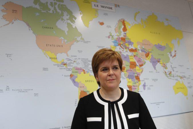 Škótsko už zruší takmer všetky reštrikcie, víťazstvo nad vírusom to však neznamená, vraví Sturgeonová