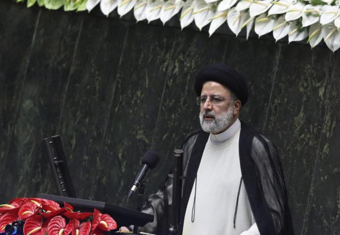 Konzervatívny klerik Ebráhím Raísí zložil prísahu a ujal sa funkcie prezidenta Iránu