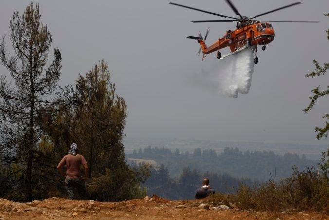 Lesné požiare v Grécku sú ekologickou katastrofou, niektoré úmyselne založili podpaľači
