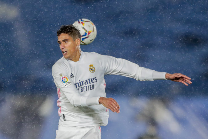 Raphael Varane po desiatich rokoch odchádza z Realu Madrid, upísal sa Manchestru United