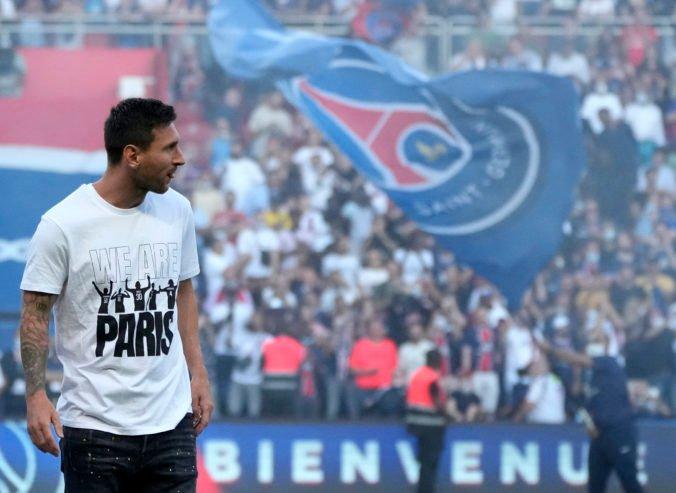 Messi si v Paríži užil búrlivé privítanie, na hviezdneho Mbappého fanúšikovia pískali (video)