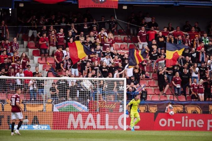 Sparta Praha pyká za rasizmus fanúšikov, zápas v Európskej lige odohrá pred prázdnymi tribúnami