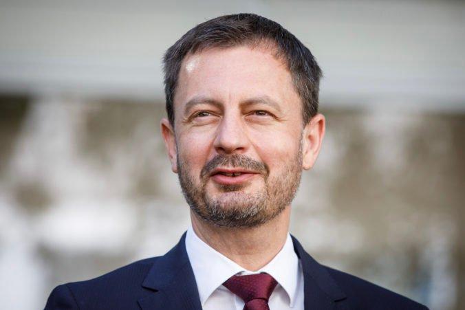 Heger poprel fámy, že Slovensko do Afganistanu neposlalo vládny špeciál. Na detaily bol však skúpy