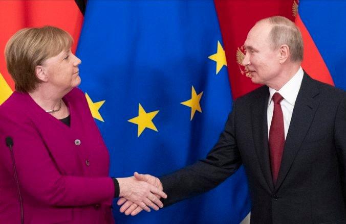Merkelová sa stretne v Moskve s Putinom, rokovať budú o Afganistane či konflikte na východe Ukrajiny