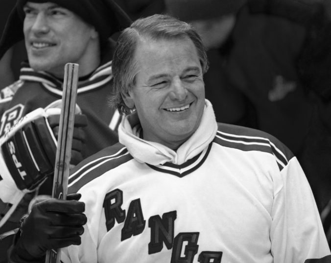 Zomrel legendárny útočník New York Rangers Rod Gilbert, bol členom Siene slávy NHL