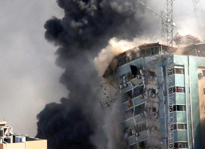 Izraelské nálety v Pásme Gazy mohli porušiť medzinárodné vojnové právo, útoky spôsobili vážne škody