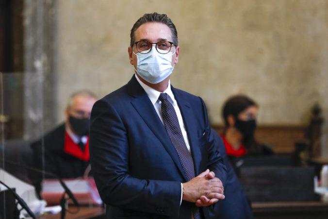 Bývalého vicekancelára Stracheho uznali vinným z korupcie, prijal úplatky za niekoľko tisíc eur