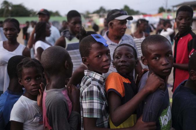 Európska únia pomáha Haiti, do krajiny už poslala desiatky ton potrebného materiálu