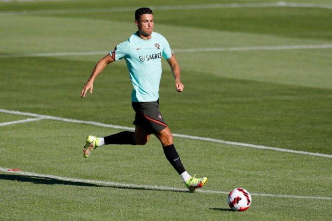 Ronaldo sa po 12 rokoch vracia do Manchesteru United, s klubom podpísal dvojročnú zmluvu s opciou