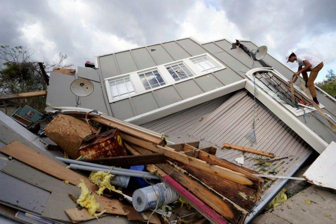 Tisíce Američanov môžu po hurikáne Ida zostať bez elektriny aj niekoľko týždňov