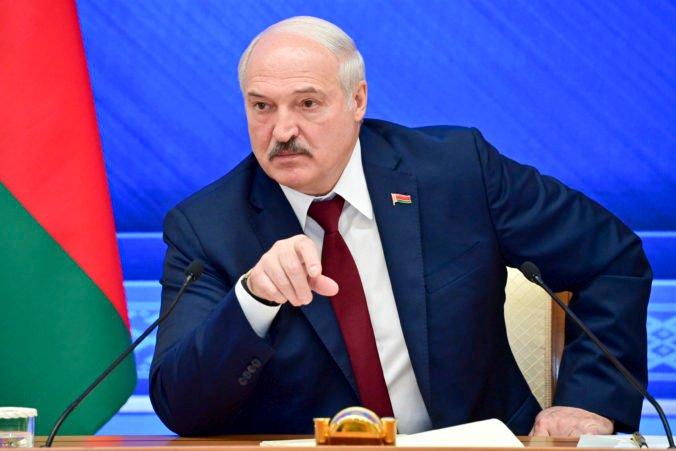 Bielorusi dostanú od Rusov veľa zbraní. Lukašenko uviedol, ako si predstavuje boj proti tlaku Západu