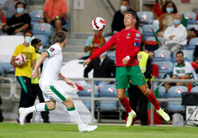 Ronaldo najprv nepremenil penaltu, potom za pár minút otočil výsledok a stal sa rekordérom