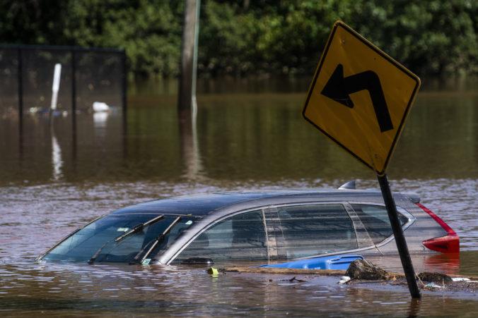 Búrka Ida si v USA vyžiadala už takmer 50 obetí, viacerí sa utopili vo vlastných bytoch či autách