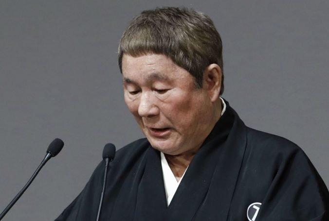 Muž s krompáčom zaútočil na auto japonského filmára, nechcel mu pomôcť dostať sa do zábavného priemyslu