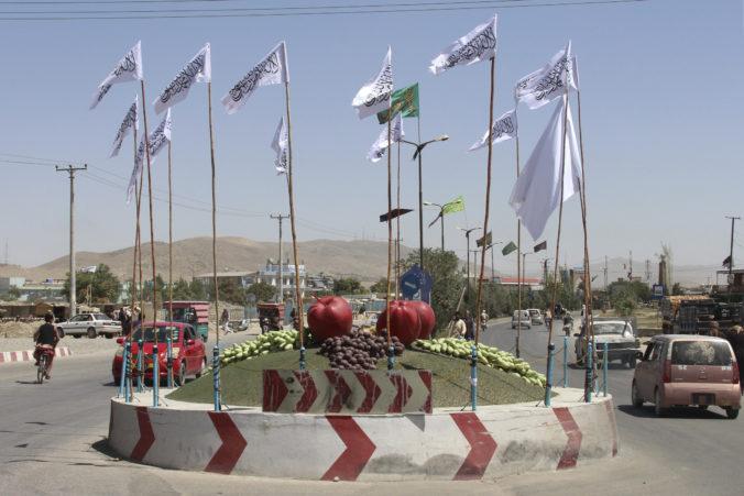 Taliban predstavil dočasnú vládu. Ministrom vnútra bude šéf Hakkániho siete, militantnej teroristickej organizácie