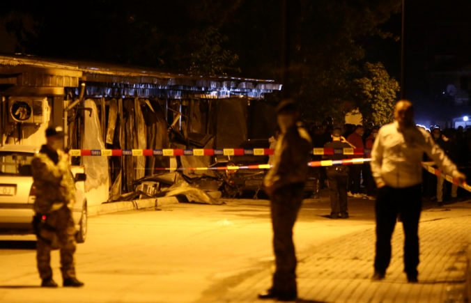 Požiar v nemocnici pre pacientov s COVID-19 v Tetove neprežilo najmenej 10 ľudí (video+foto)