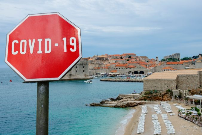 ECDC prefarbilo Chorvátsko na červeno, v krajine sa však nachádza viac turistov ako pred pandémiou