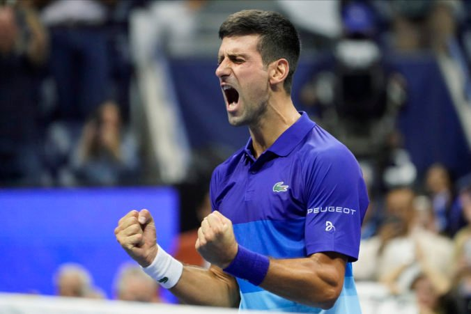 Djokovič má kalendárny Grand Slam na dosah, vo finále US Open musí poraziť Medvedeva (video)