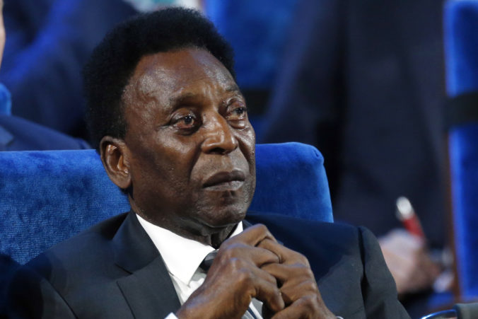 Pelé zostáva na jednotke intenzívnej starostlivosti, jeho stav sa však zlepšuje