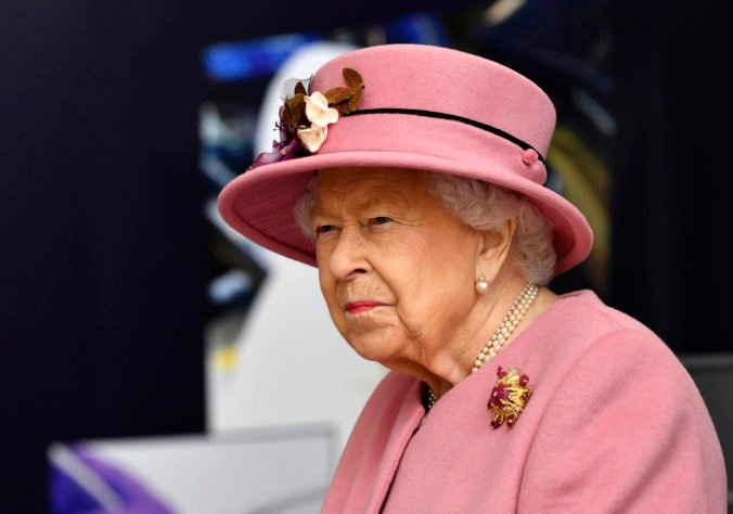 Z hradu Windsor zaznela americká hymna, kráľovná Alžbeta II. súcití s obeťami teroristických útokov