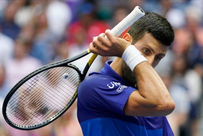 Djokovič premrhal príležitosť a po prehre na US Open sa rozplakal pred novinármi