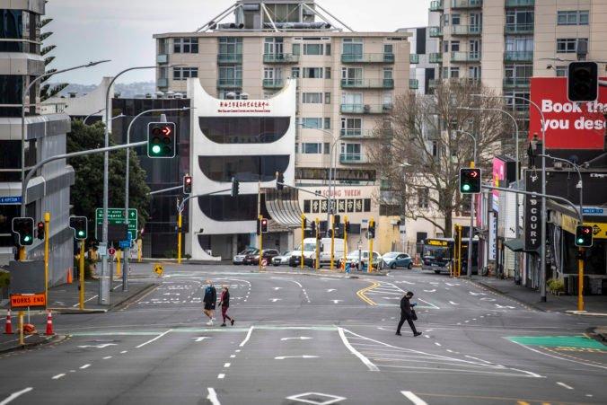Mesto Auckland čaká najprísnejší lockdown, Nový Zéland bojuje s ohniskom nákazy z Austrálie