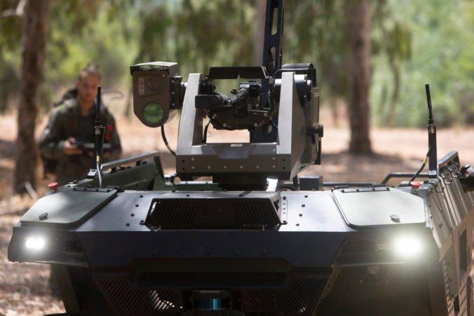Pomoc alebo nebezpečenstvo pre ľudí? Izraelskej armáde bude asistovať ozbrojený robot (foto)