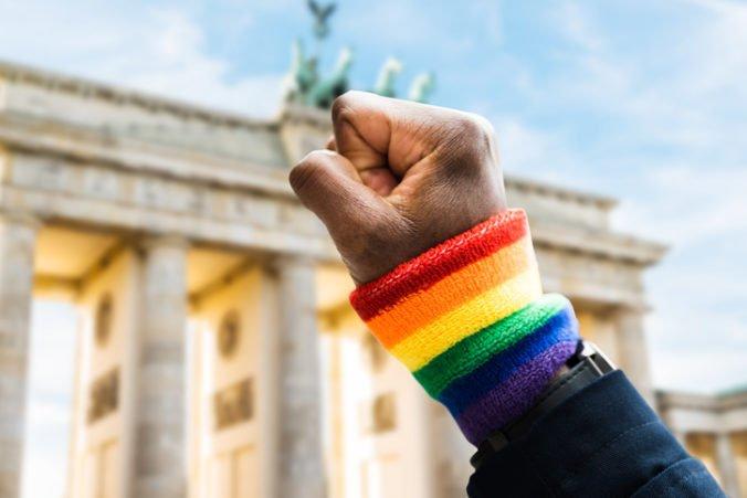 V Nemecku odškodnili desiatky ľudí, ktorých stíhali pre ich homosexualitu