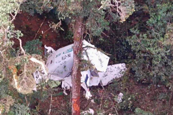 V Indonézii našli vrak havarovaného nákladného lietadla, po posádke stále pátrajú