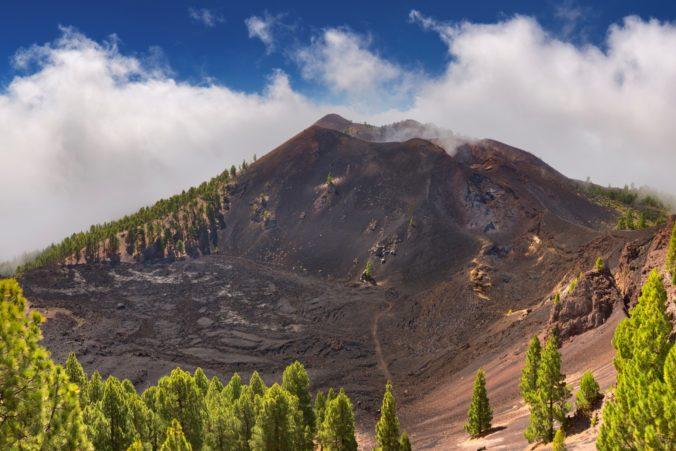 Ostrov La Palma sa chveje pod rojom zemetrasení, odborníci sa obávajú výbuchu sopky Cumbre Vieja