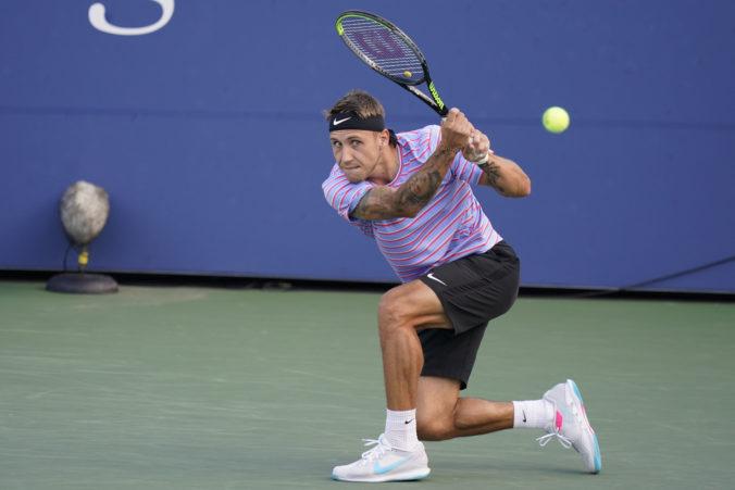 Slovenskí tenisti sa v Davisovom pohári postavia favorizovaným Čiľanom, Molčan začne proti svetovej sedemnástke