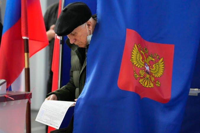 V Rusku museli anulovať tisíce hlasovacích lístkov, rastie aj počet sťažností o narušení parlamentných volieb