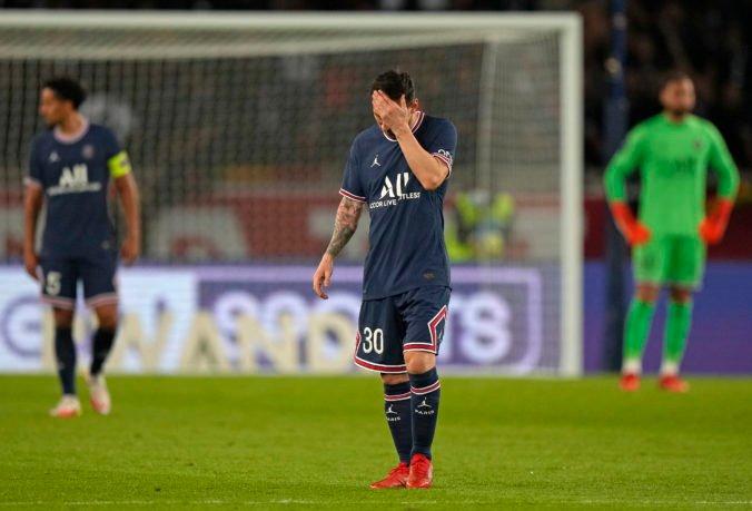 Messi nastrelil brvno a stále čaká na prvý gól v drese PSG, zo striedania nebol nadšený (video)