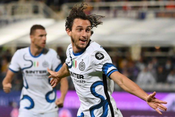 Futbalisti Interu inkasovali po možnom faule na Škriniara, predviedli obrat s Fiorentinou a sú na čele tabuľky (video)